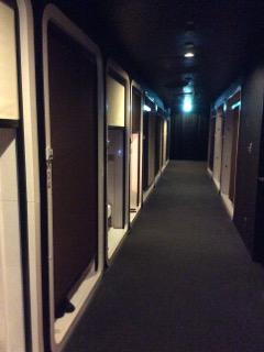 ファーストキャビンの廊下
