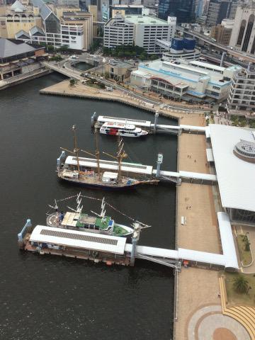 神戸港を俯瞰する