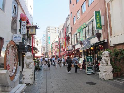 南京町入り口の狛犬