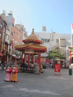 南京町広場の東屋