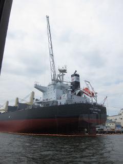 建造中の船