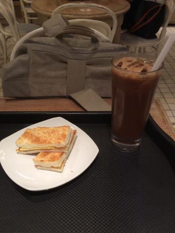 カヤトーストとアイスコーヒー