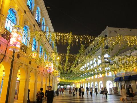 夜のセナド広場
