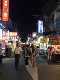 士林夜市商店街