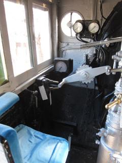 蒸気機関車運転席