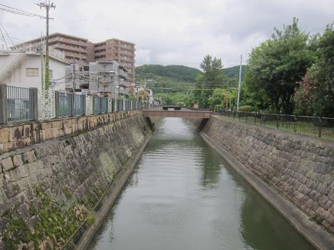 三井寺駅脇の琵琶湖疏水