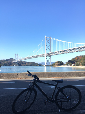 因島大橋と自転車