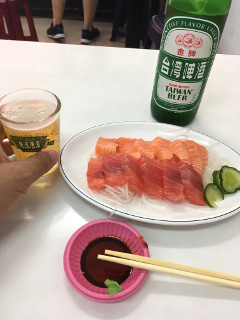 刺身とビール