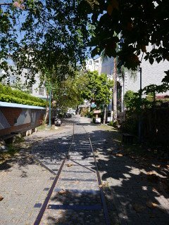 朝の旧鉄道文化商圏