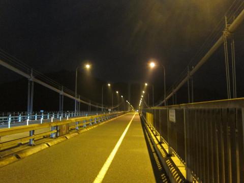 伯方・大島大橋を渡る