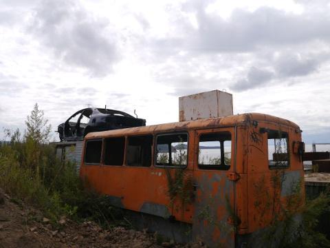 道中にあった廃車