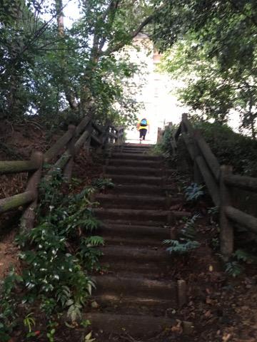 因島大橋への階段