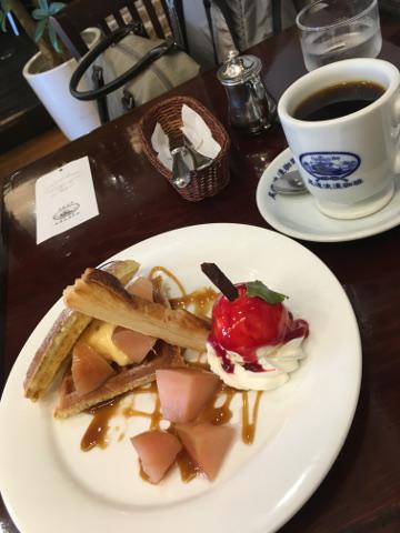 尾道浪漫珈琲とリンゴのワッフル