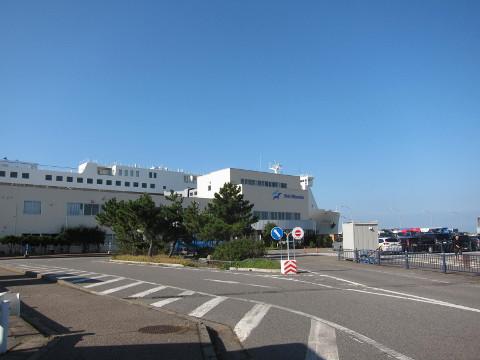 新潟港フェリーターミナル