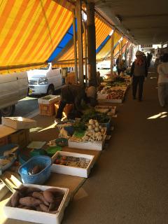 山の下市場通り