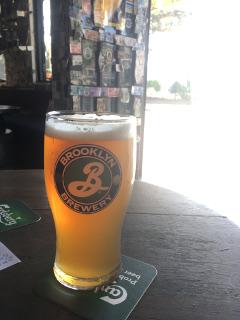 バーで昼飲み