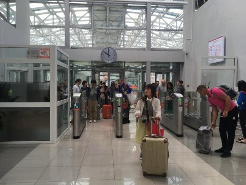 アエロエクスプレス空港駅自動改札