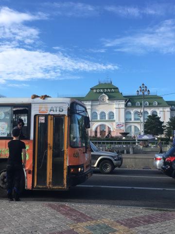 ハバロフスク駅前のバス