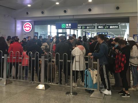 上海浦東空港駅の地下鉄改札