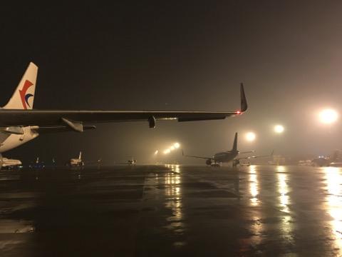 夜の南京空港